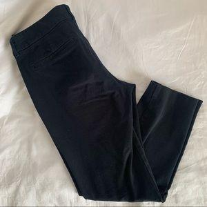 EUC Old Navy Black Mid-Rise Pixie Pants, 8